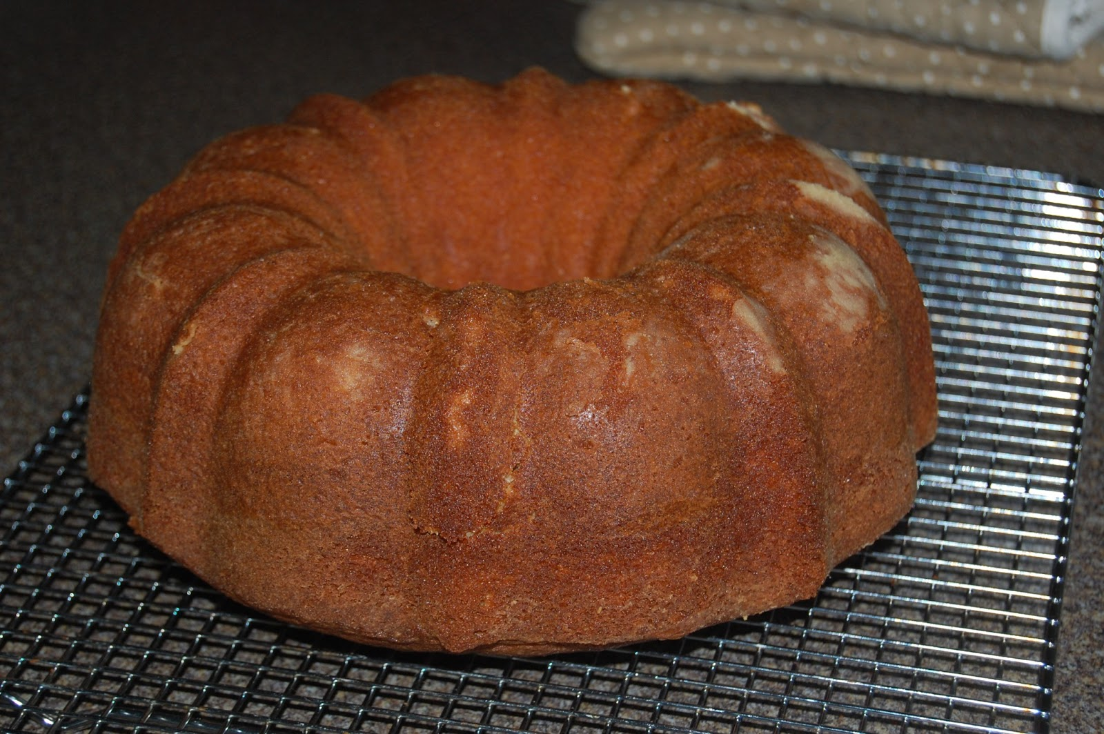 Kitchen Curiosities and more...: Irish Pound Cake