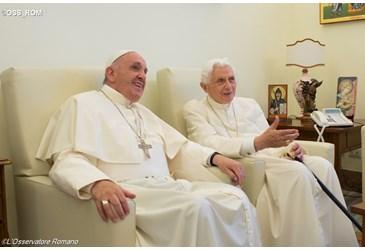 Papa Francisco y Papa Benedicto