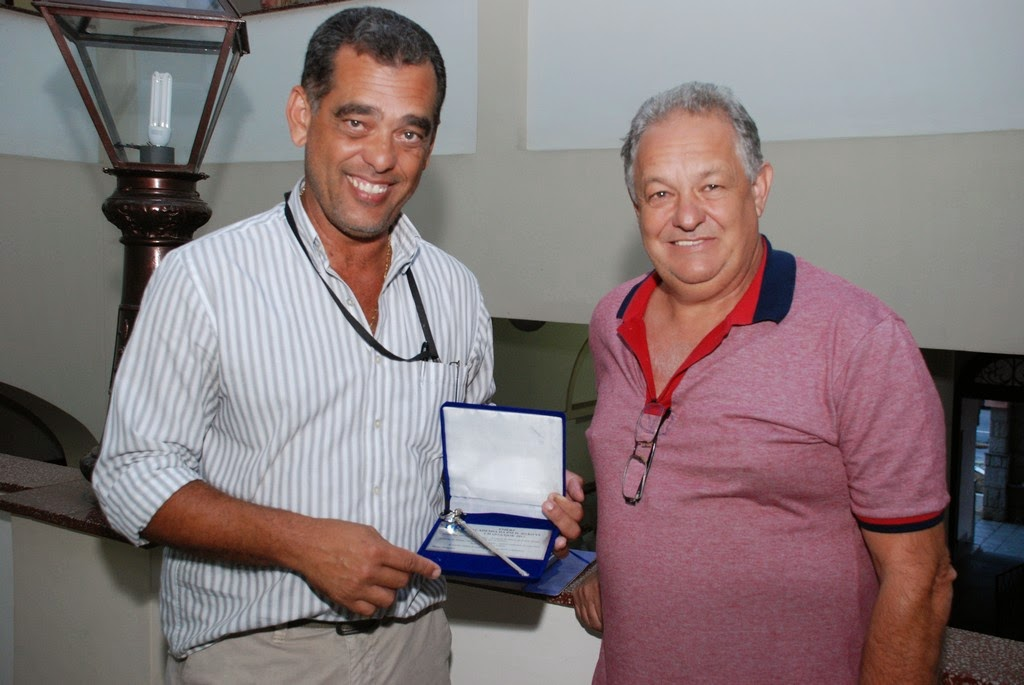 Secretário de Segurança Pública, Marco Antônio da Luz, acompanhado de seu padrinho de formatura, José Francisco Cortázio.