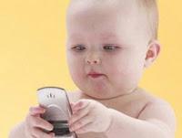 Alasan memberikan Ponsel Pada Anak