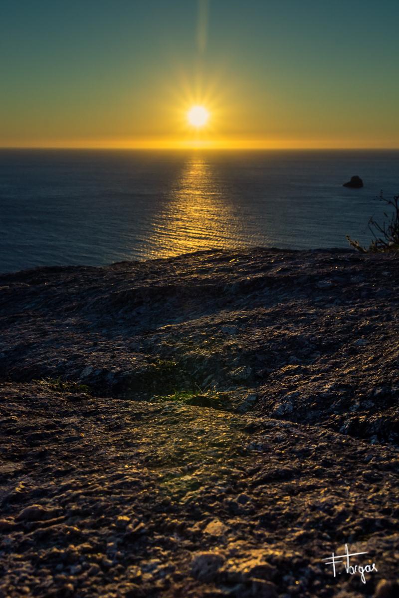 Atardecer en el Faro de Finisterre,  A Coruña - 1/160seg, f/13, ISO 400, 17mm