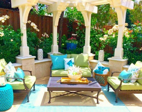 Bright white coastal style home with blue accents shell decor completely coastal - Decorative vegetable garden ideas stylish green ...