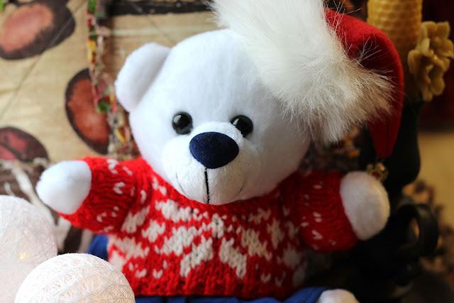 игрушка мишка в новогодней одёжке