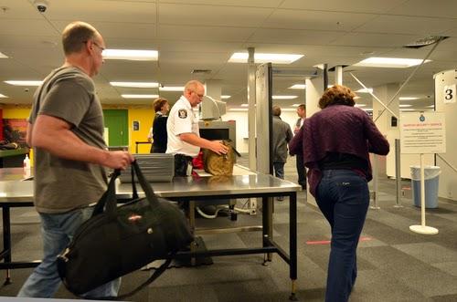Metal detector in aeroporto