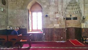 Masjid-masjid yang ada ceritanya sendiri...