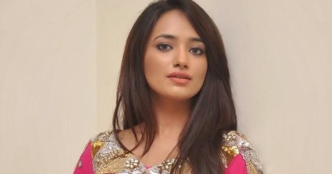 ziya latest pictures telugu celebrity news hq pics n