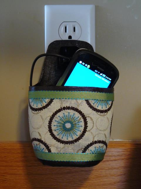 Mother approved cell phone cord keeper