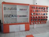 furniture interior semarang etalase display pajangan toko handphone smartphone08