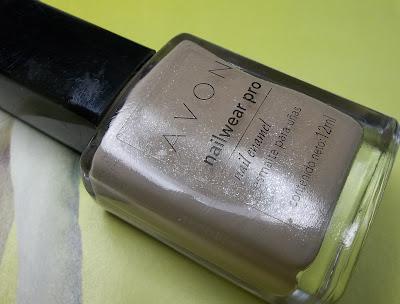 Esmalte avon nail wear pro