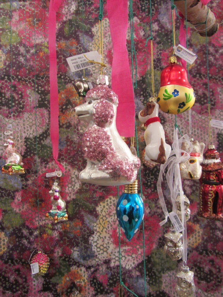 Living with ankan: #KITSCHY #CHRISTMASDECORATIONS @designersguild