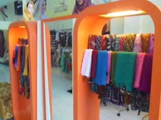 interior toko pakaian cantiqu semarang 06