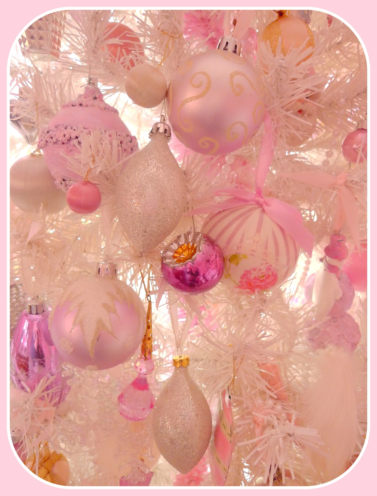 My shabby french life sapin rose et blanc ou sapin blanc - Sapin de noel rose et blanc ...
