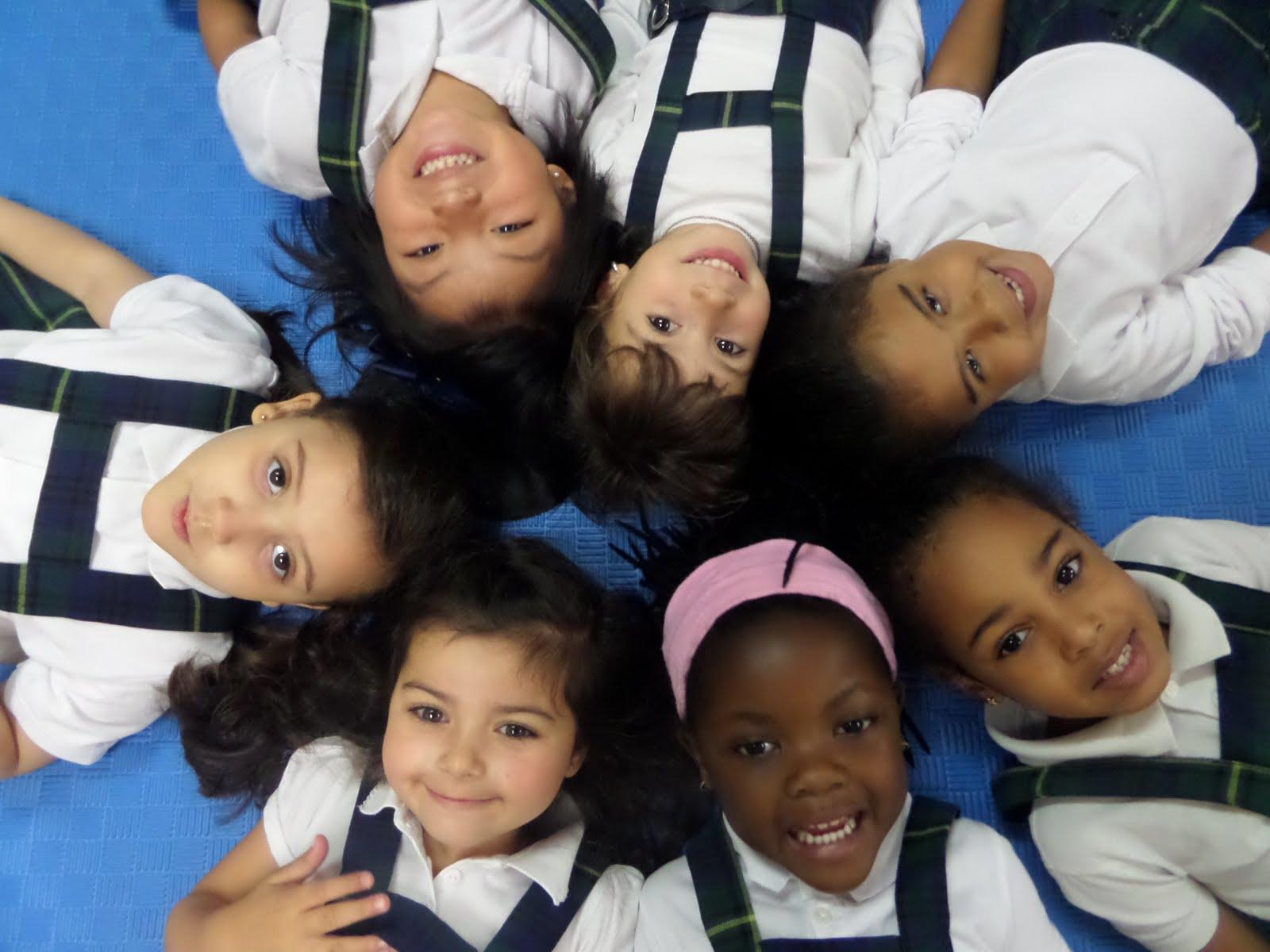 Lucía, Silvie, Aisha, Estefany, Yurena, Yaiza y Mara.