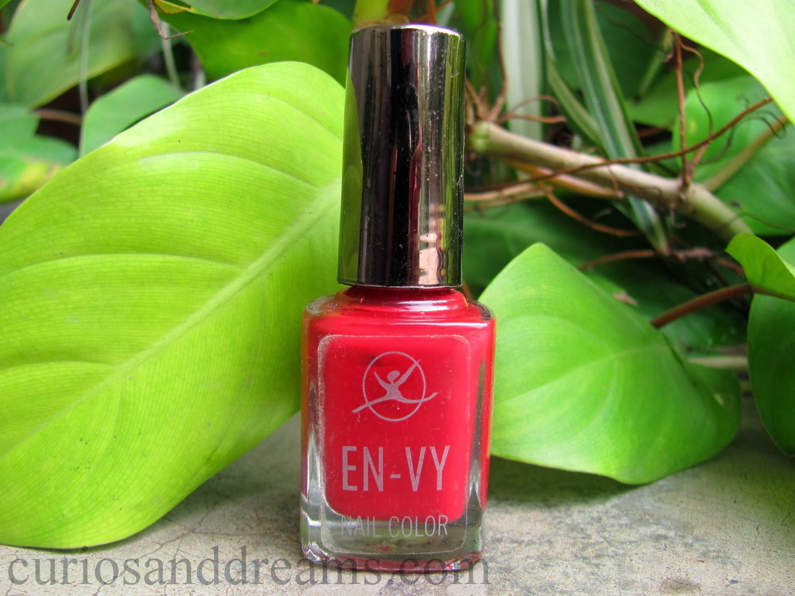 EN-VY Nail Color Ooh La La Red review, red nailpolish review