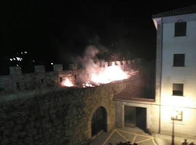 https://lh5.googleusercontent.com/-P-EXNIbasVQ/Ve9Nkk3l55I/AAAAAAAAOmU/70uV4cOMB7M/w1166-h865-no/incendio1.jpg