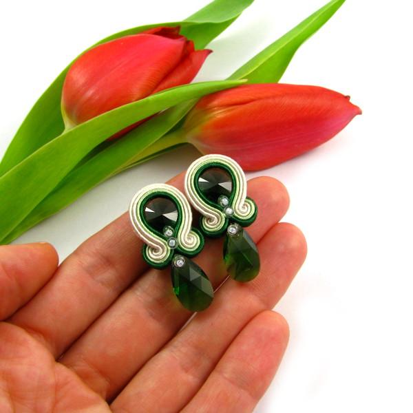 Zielone kolczyki ślubne sutasz