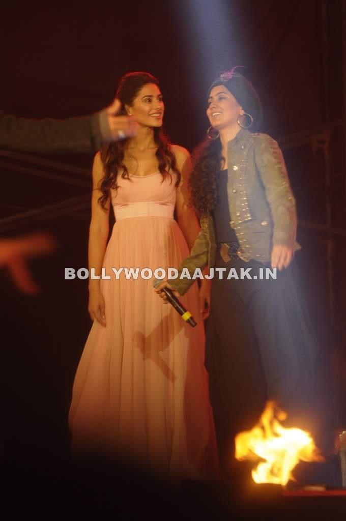 , Nargis Fakhri At Rockstars Concert With A R Rehman
