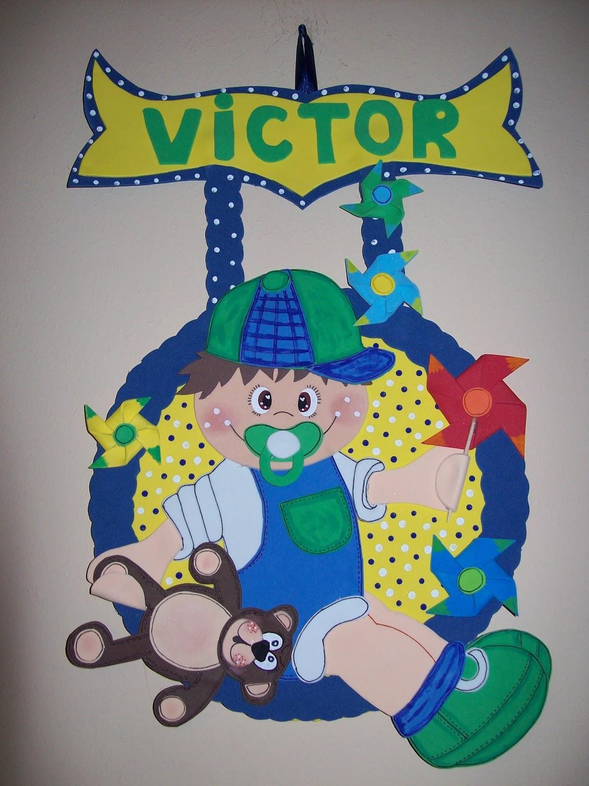 cartel fofucho bebe con su osito