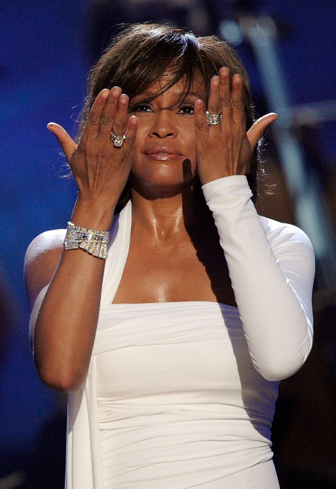 http://3.bp.blogspot.com/--YaJsNtzVmg/TzgrThj8pCI/AAAAAAAAHzs/eJrU6YNWPa8/s1600/Whitney+Houston+American+Music+Awards+2009.jpg