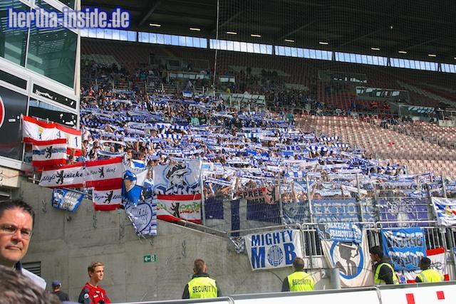 Le Mouvement en Allemagne . - Page 3 1.+FC+Kaiserslautern+-+Hertha+BSC++039