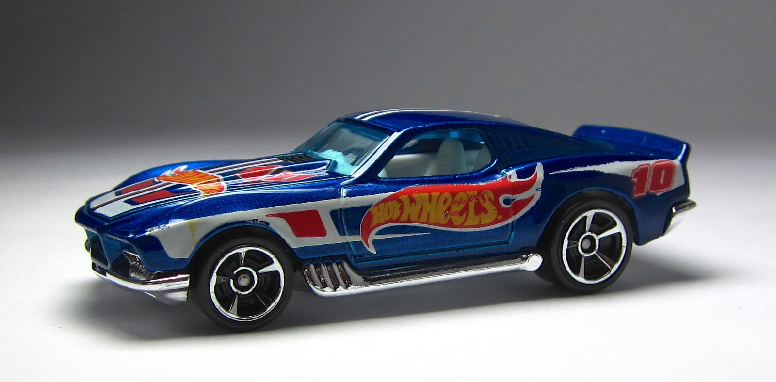 the lamley group first look 2013 hot wheels blvd bruiser in racing deco. Black Bedroom Furniture Sets. Home Design Ideas