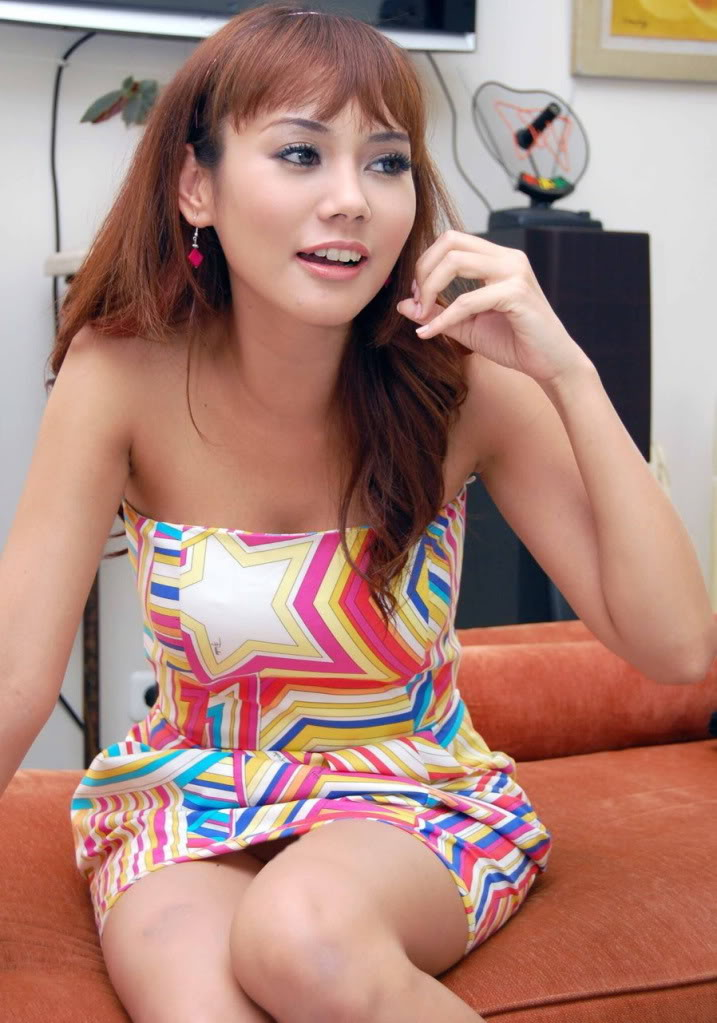 Artis Hot Indonesia