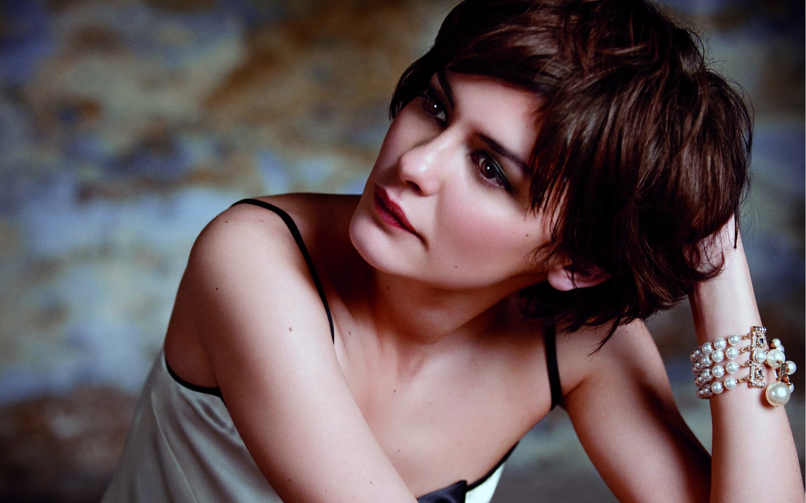 audrey tautou as amelie wallpapers - Amazon Audrey Tautou as Amelie wallpaper super