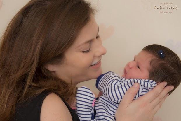 Ana Paula Tabalipa presents the little Mia