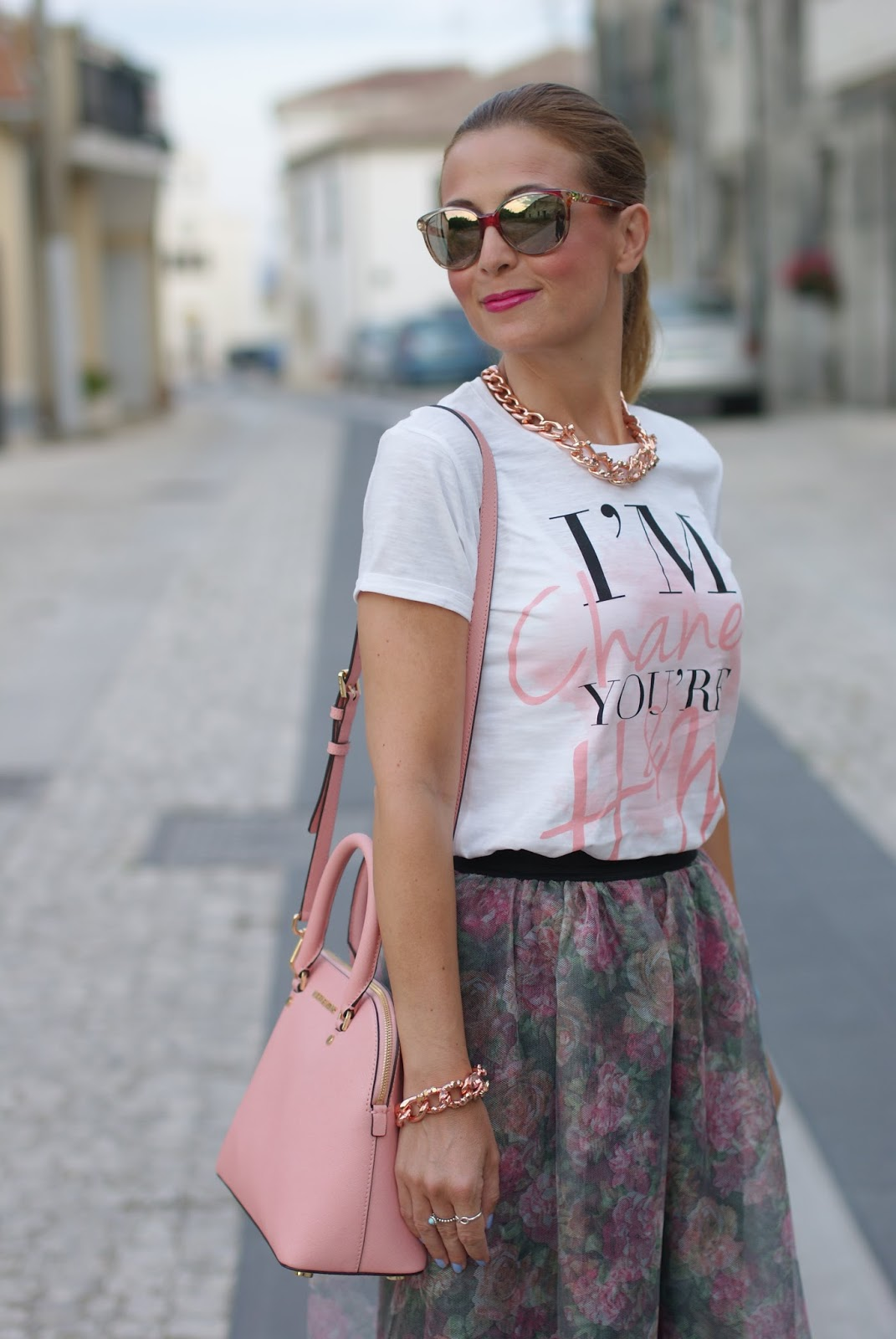 Luca Barra necklace and bracelet for a pink romantic outfit on Fashion and Cookies fashion blog