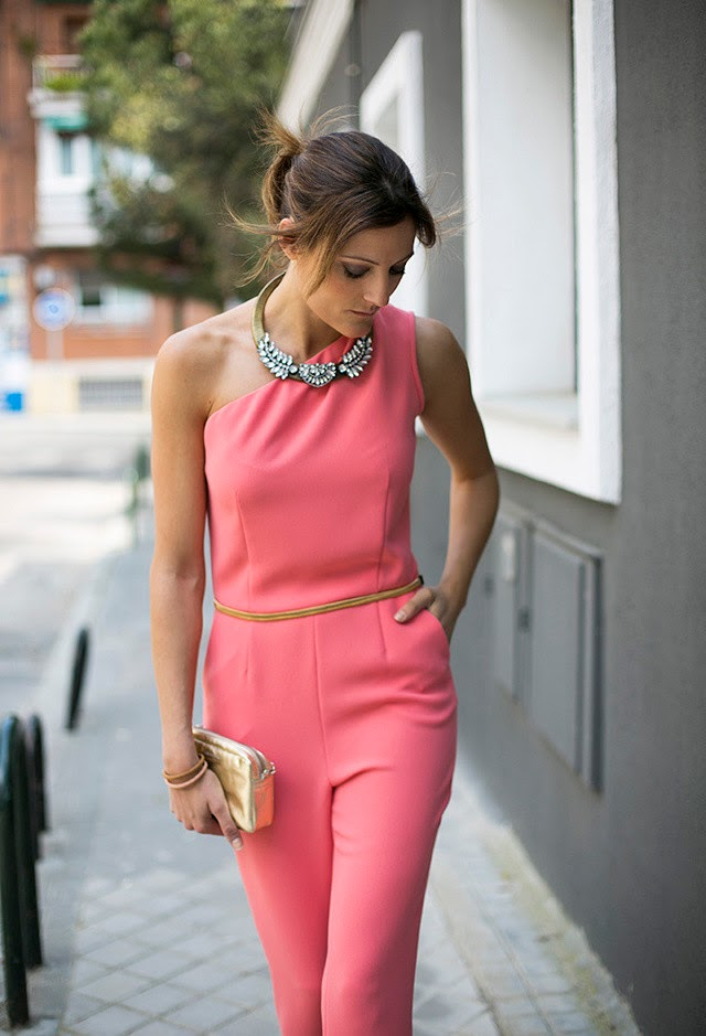 5 Ways To Look Gorgeous In One Shoulder Dress