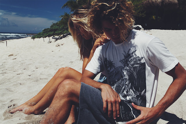 Alexis Ren Pull&Bear Surf Collection