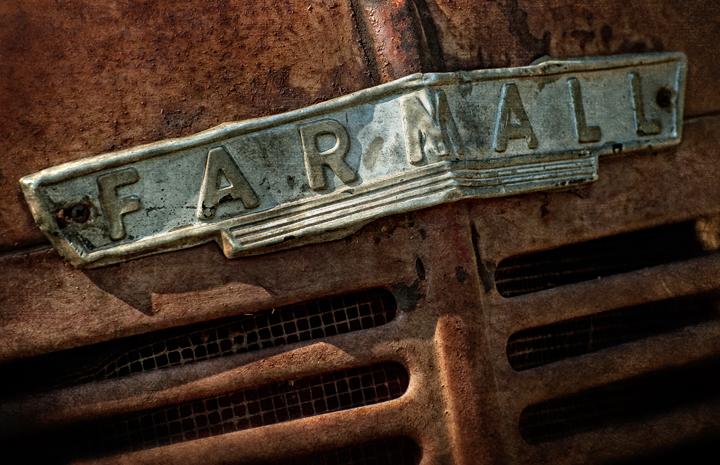 Farmall M Hood : Dan routh photography farmall m