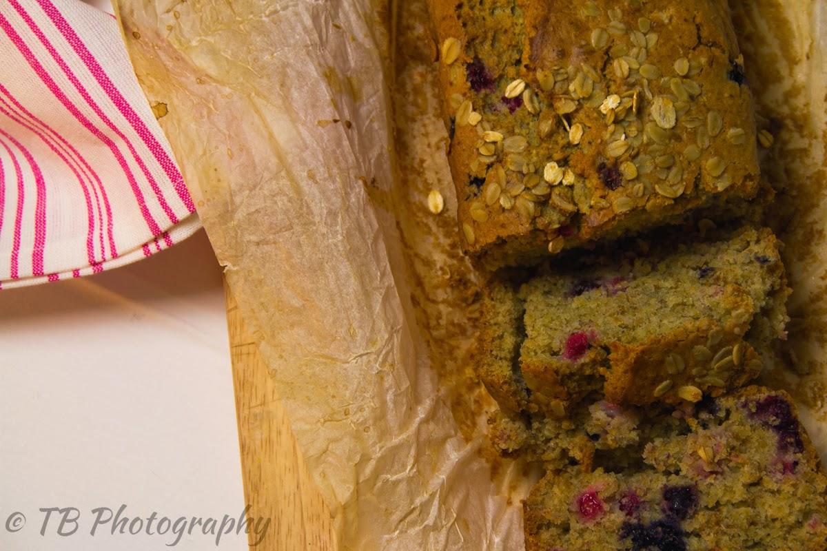 plum cake integrale all' avena e frutti di bosco (senza uova, senza burro)