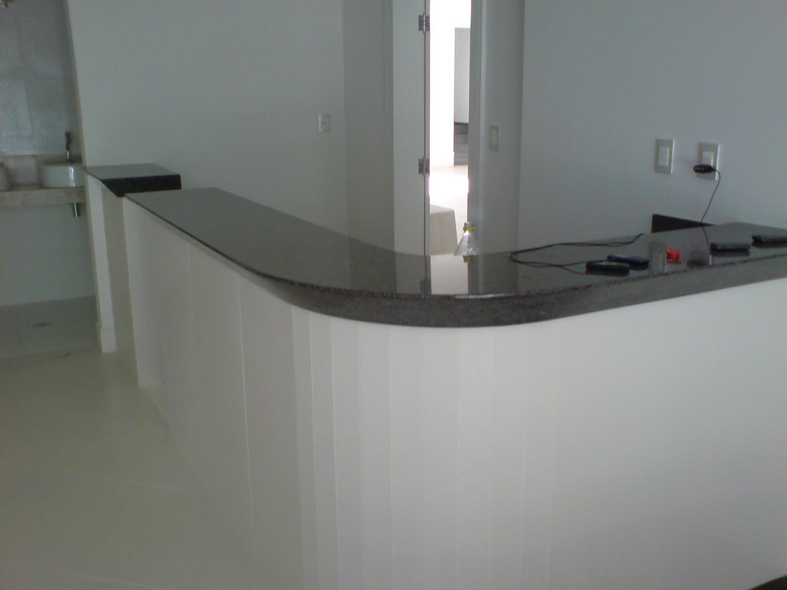 Balcão de recepção em Granito Verde Ubatuba! #5B5D51 1600x1200 Balcão Para Banheiro De Granito
