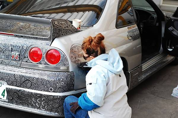 If You Are An Artist And Would Like To Have Head Turning Car Even It Is Old Go Buy Some Permanent Ink Markers Start Drawing On The Body