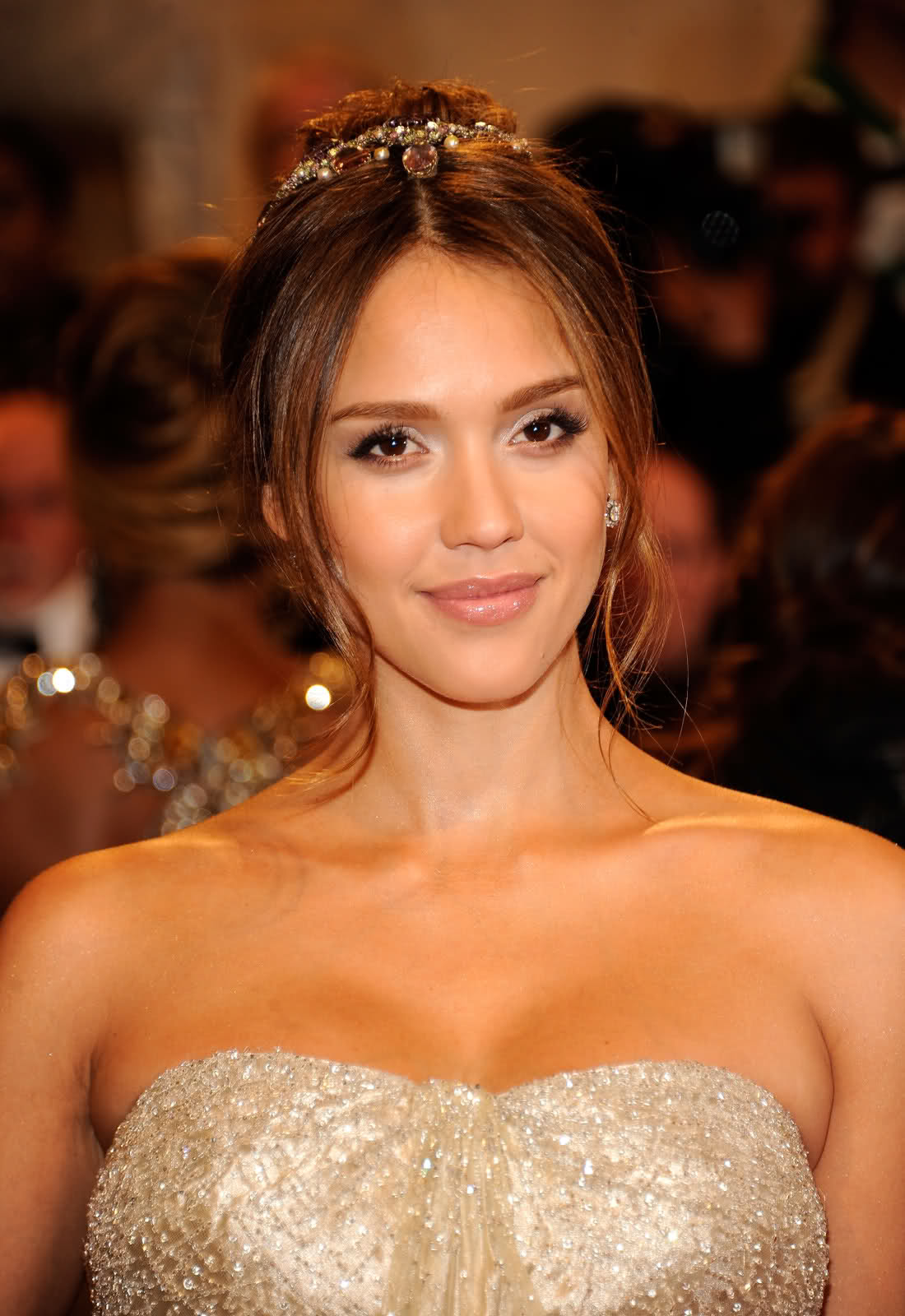 Jessica Alba Updo Hairstyles Hairstyle Review And Pictures Glammer Girl Jessica Alba