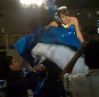 reina del baile tonta
