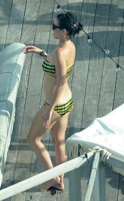 Katy Perry, singer, Katy Perry bikini, Katy Perry boyfriend, Miami, Miami Beach, Miami Beach hotels, Miami luxury Hotels, Poolside, Travel in Miami, Travel to Miami Beach, Travel to Miami luxury hotel, Travel to Miami tour
