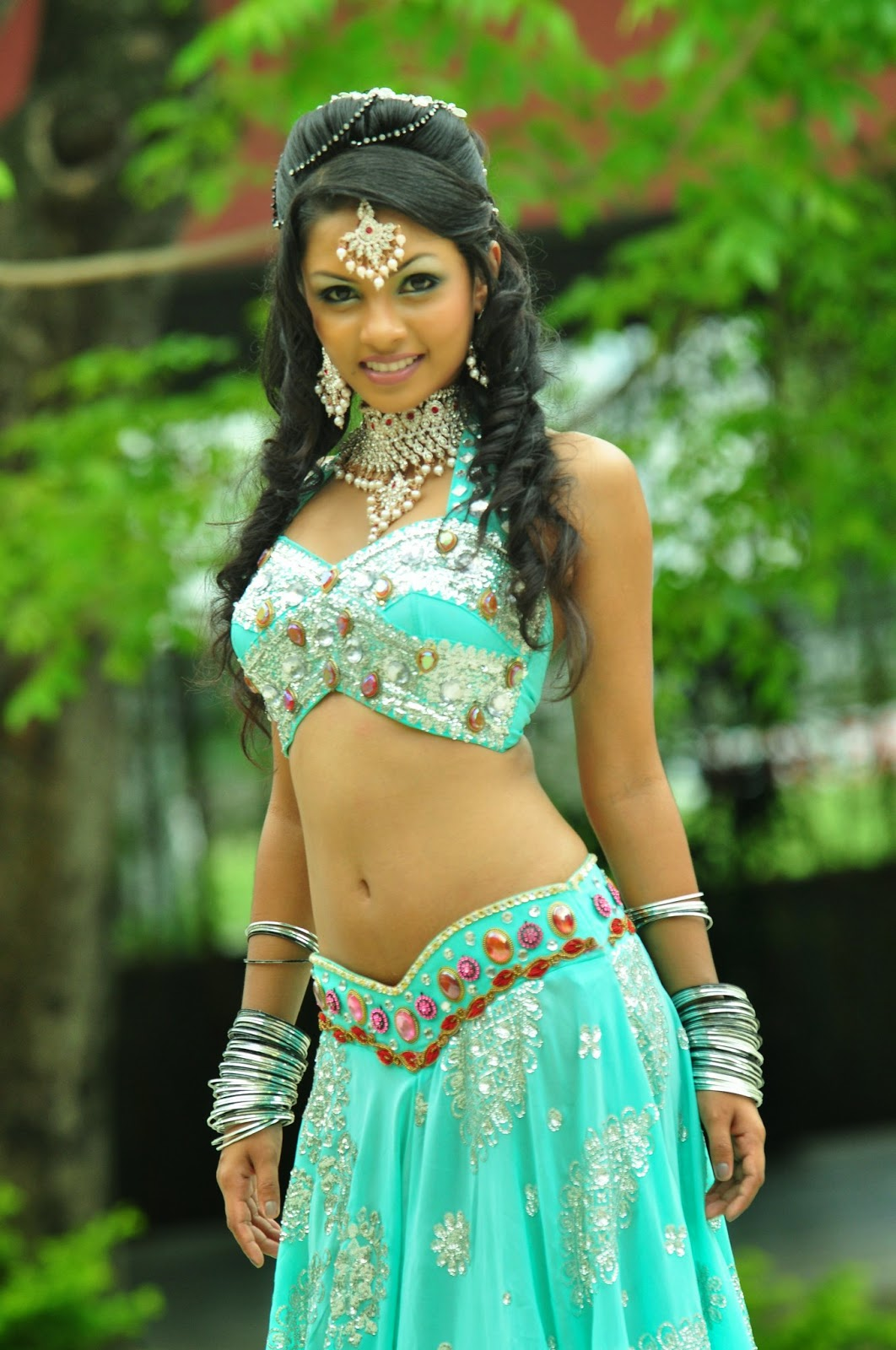 Who is the sexiest Lankan actress when Showing Navel???? - Page 2 ...