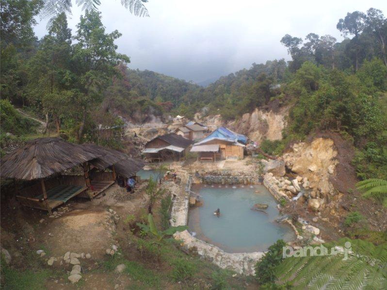 Kawasan Kawah Rengganis di Bandung