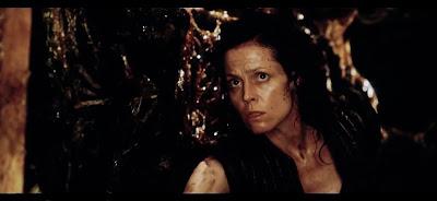 Lo que está viendo Ripley da bastante asquete >-<