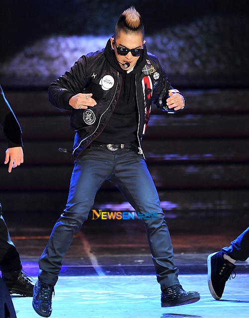 http://3.bp.blogspot.com/--_MVSI_c284/Tspm3zj7UYI/AAAAAAAAMGY/jf7tVGwYKUY/s1600/taeyang_020.jpg