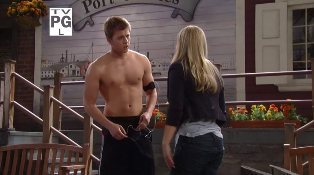 Oliver Hudson Rules Of Engagement Shirtless Chad Duell Shirtless in