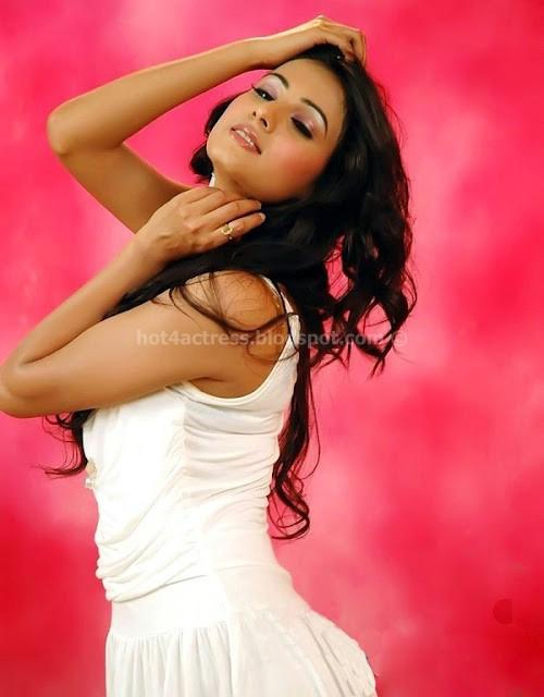 Bollywood hot sonal chauhan hot images