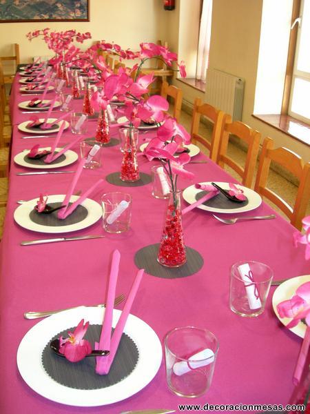 Decoracion de mesas mesa para un 50 cumplea os for Decoracion de mesa de cumpleanos