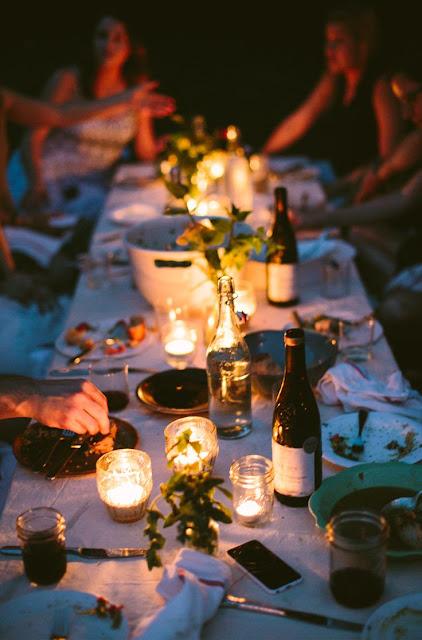 cena de san juan con velas