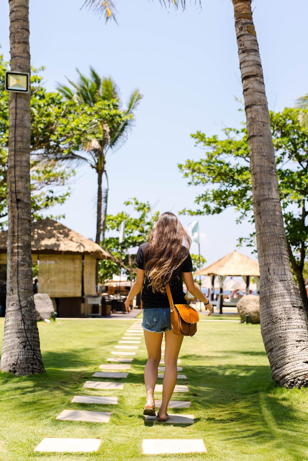 best hotels in bali, honeymoon resort, bali nusa dua, travel blog, couple travel bloggers, asian korean blogger, japanese, california san francisco bay area travel blogger, value hotels in bali, southeast asia, beach outfit, beach style fashion, beach blogger, long asian hair, ombre