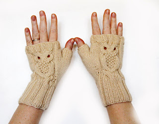 https://www.etsy.com/listing/171169725/white-cream-fingerless-owl-mittens-made?ref=related-3