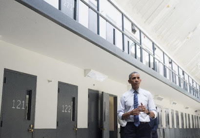 Obama becomes first president to visit US prison   (US Justice Systems / Human Rights)