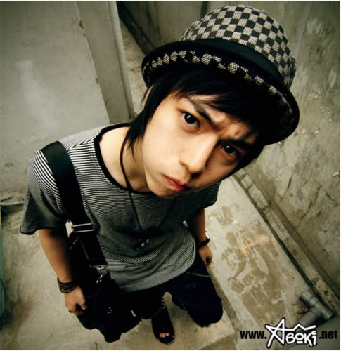 SHX Boys http://myworldlifeandfashion.blogspot.com/2011/05/ulzzang-shidae-aka-pretty-boys-and.html